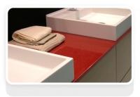 Столешня ву ванній з кварциту New rubino