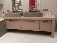 Столешня у ванній кімнаті із керамограніту Laminam